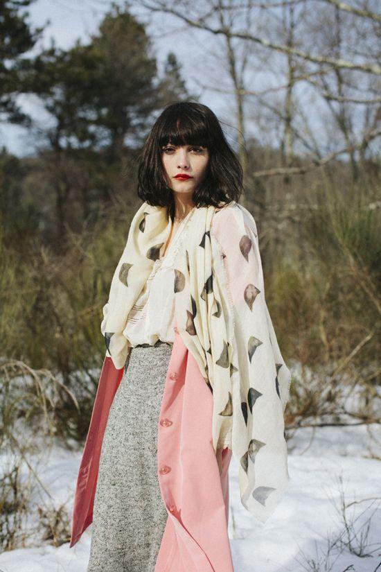 honey-kennedy-leah-reena-goren-fall-2014-scarves-03  - ❣ Relicário ❣ - makemyworldburn.tumblr.com