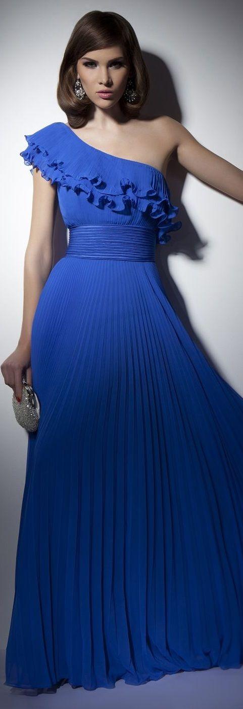 Este se me vería muy bien! Hermoso color! ----Rochii de Seara - Colectia Velvet Angels 2013 ~