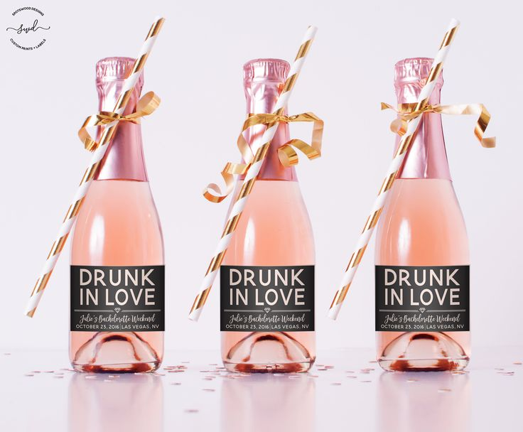 Mini In Love Custom Champagne Label betrunken. Weinetikett. Bachelorette Party Dekorationen. Verlobungsfeier. Bachelorette Wochenende. Feyonce