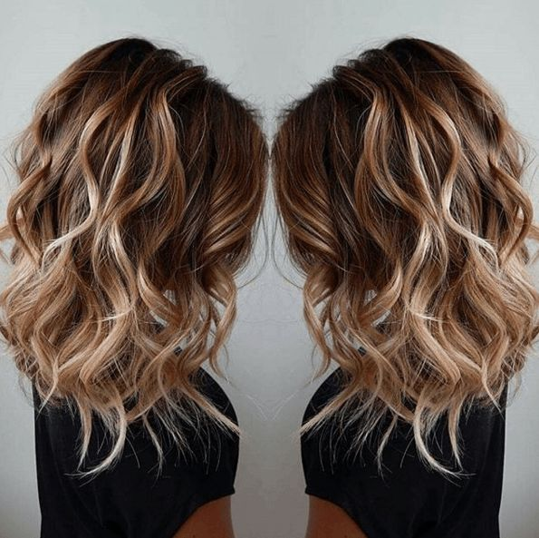 un balayage faon blond de surfeuse australienne - Coloration Meche Blonde