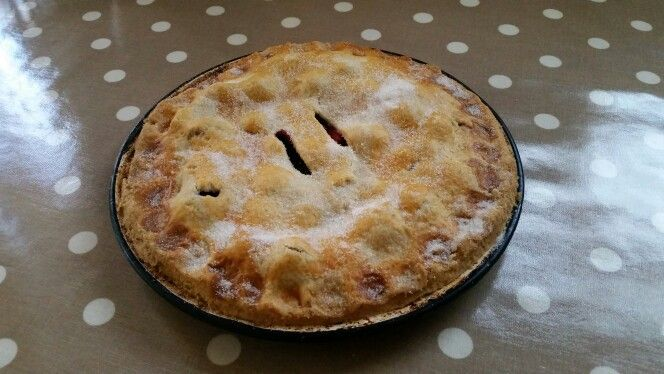 Apple & Blackcurrant Pie