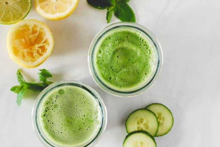 Un smoothie verde oferă organismului foarte mulţi fitonutrienți, enzime sănătoase, vitamine şi minerale care revigorează şi detoxifică natural.