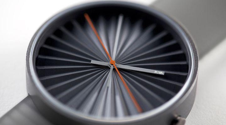 Plicate, a watch out of time design Benjamin Hubert for NAVA #Iloveideas
