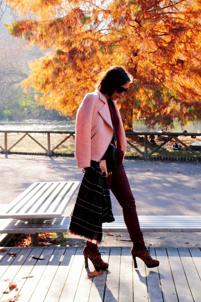 Mi vestido de lentejuelas: Burgundy&pink cazadora rosa Stradivarius
