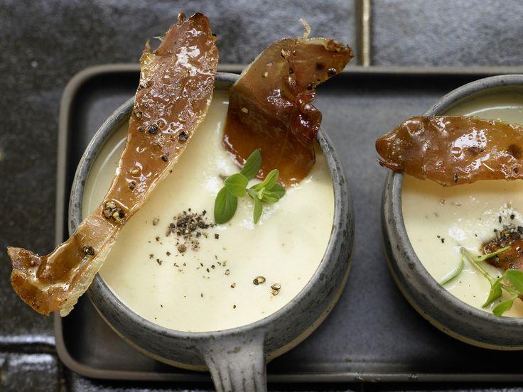 Cremige Pastinaken-Kartoffel-Suppe - Kalorien: 280 Kcal - Zeit: 40 Min. | eatsmarter.de