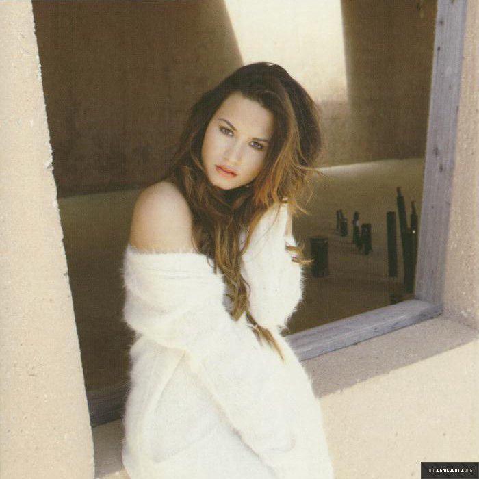Demi Lovato Wallpaper: 16 Best Unbroken PhotoShoot Images On Pinterest