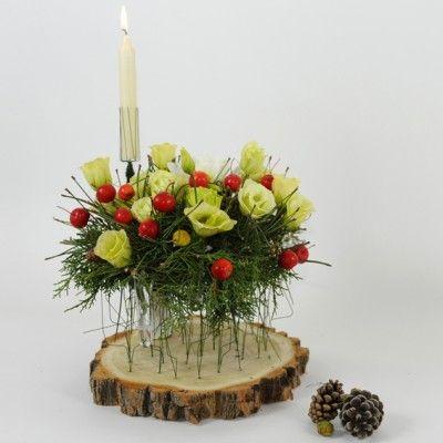 YaU Concept _ yau flori_wild christmas aranjament pentru masa de craciun _ Christmas table decoration #christmas #christmasdecor #holiday #candle #christmascandle #yauconcept #yau #christmasdecoration #wood #flowers #christmasflowers