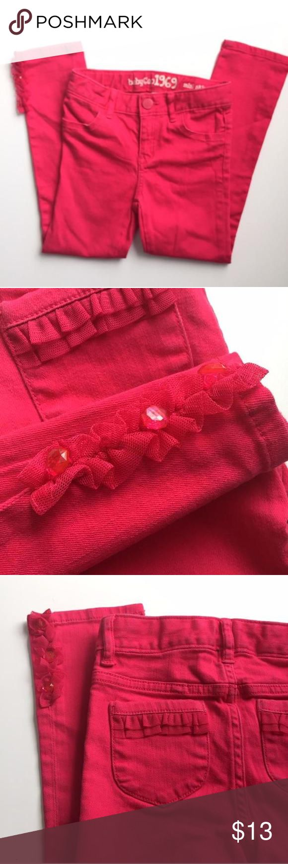 Gap Skinny Jeans Pink with ruffles sz 5 Gap Skinny Jeans. Hot pink color with ruffles on back pockets and tulle and sparkle at the ankles. Sz 5 GAP Bottoms Jeans