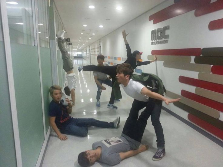 ..................... (masihgagalpaham) #Shinhwa #TriangleCrotchForever pic.twitter.com/OPRsvpj6VD