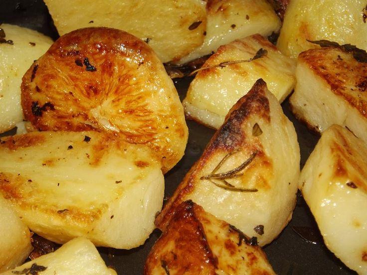 Tasty Remoska roast potatoes (via Remoska South Africa)