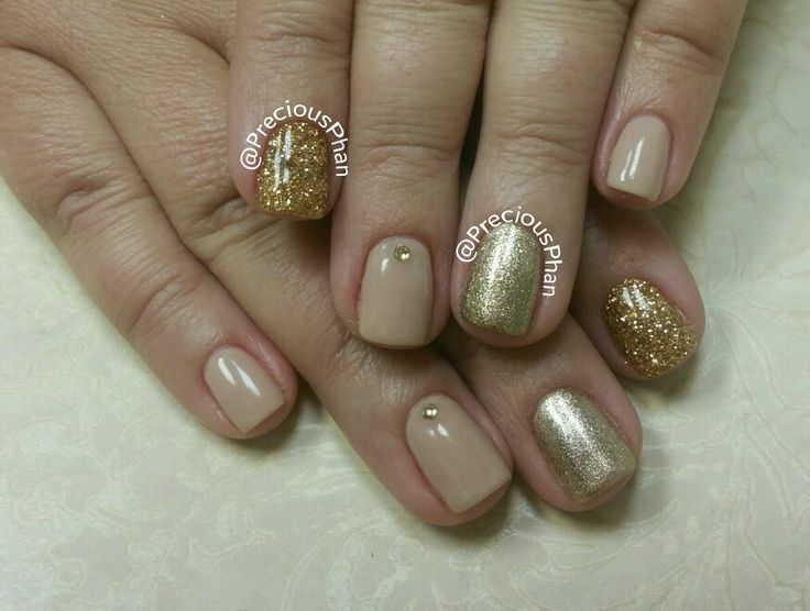 Gold and tan nails, gold glitter with rhinestones. #PreciousPhanNails - Best 25+ Tan Nails Ideas On Pinterest Acrylic Nails Nude, Gold