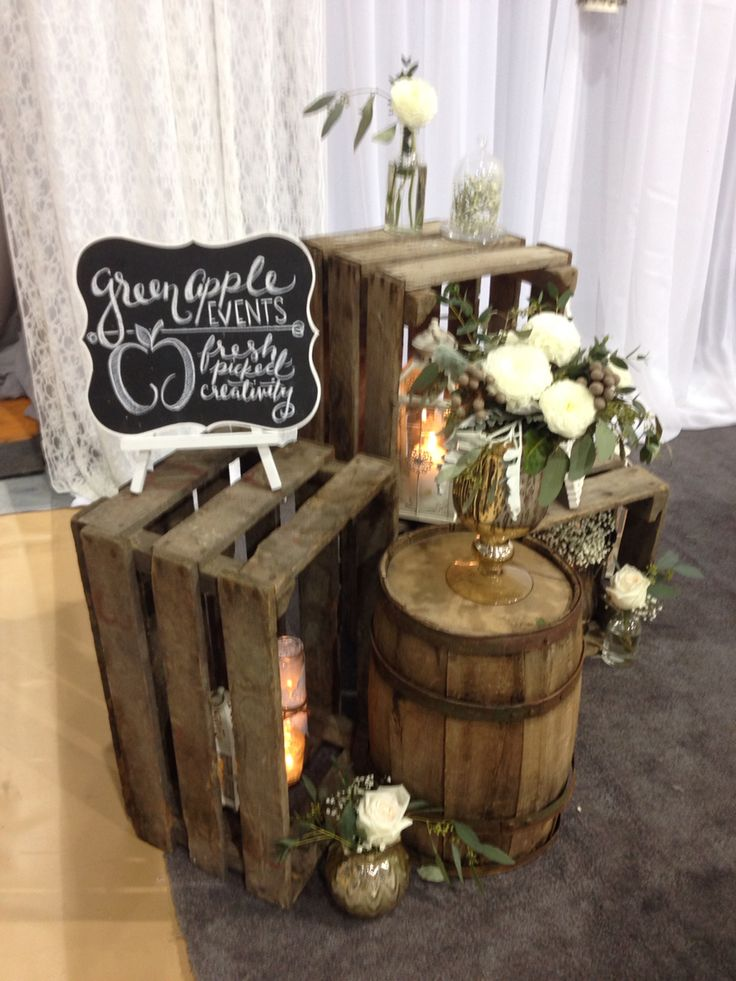 Rustic wedding decore with barrels