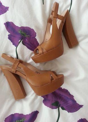Kup mój przedmiot na #vintedpl http://www.vinted.pl/damskie-obuwie/platformy/11326715-obcasy-na-platformie