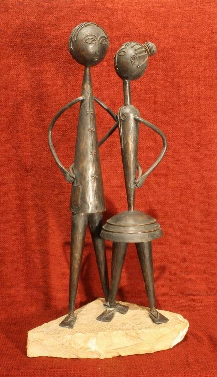 Percz János (1920 - 2000) Fiatal pár vörösréz, mészkő talpon 43 x 17 x 10 cm 2015/60