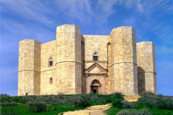 Castel del Monte, the Citadel of Mysteries - Apulia  You have had 772 years to visit it, hurry up!! ;D  ---  Castel del Monte, la fortezza dei misteri - Puglia  Avete avuto 772 anni per visitarlo, affrettatevi!!