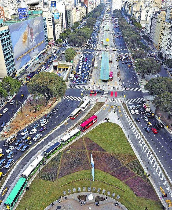Nueva vista de la Avenida 9 de julio desde el obelisco
