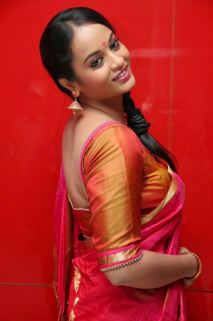 http://tollywoodnewlooks.blogspot.in/2014/05/actress-suja-varunee-saree-latest-stills.html