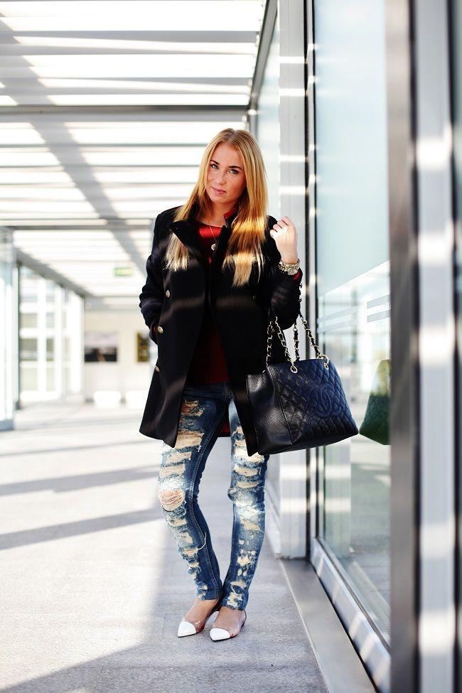 My on-flight look from Copenhagen Bianco Fashionarmy Bootcamp, torn jeans, boxy coat, Christian Louboutin flats, Chanel Grande Shopping Tote GST ->http://pret-a-porter-sini.blogspot.fi/