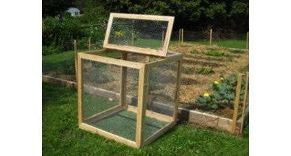 Compost bin....This might keep out the rats/mice? modern gardening tools by Home Ecology