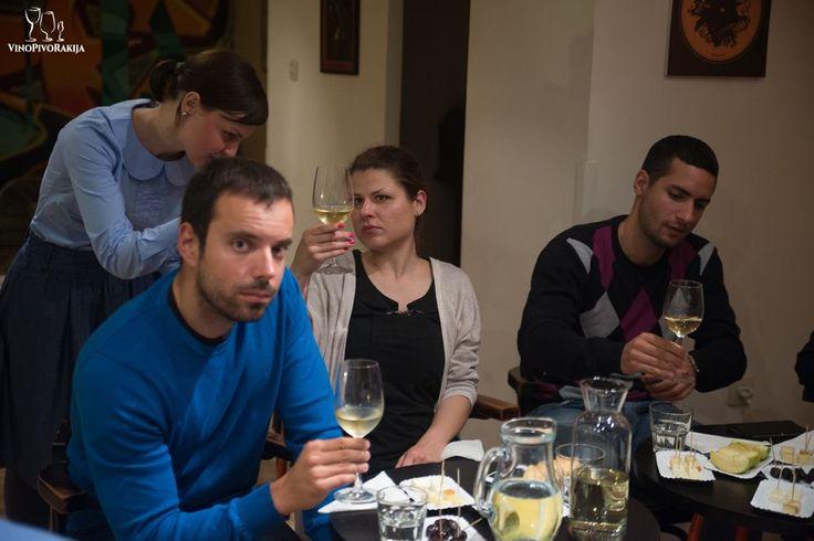 Analiza boje belog vina