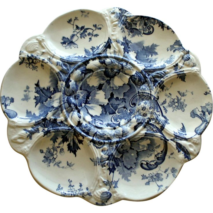 Only occasionally do you find English Staffordshire transferware in the form of an oyster plate. The pattern of this lovely oyster plate is called