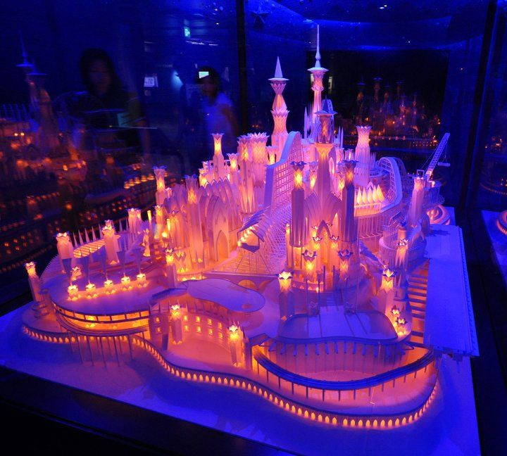 Umi no Ue no Oshiro (A Castle On the Ocean ), 海の上のお城   HOW much do I love this? I can't count the ways! This WORK OF ART is all made out of paper, by a genius named Wataru Itou. UNBELIEVABLE. #paper craft #paper art #design