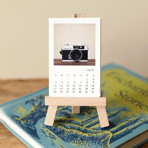 2011 Mini Calendar w/ Easel