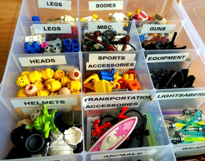 Verdeel Up Lego Minifiguren Parts in een lade voor eenvoudige en creatieve gebouw