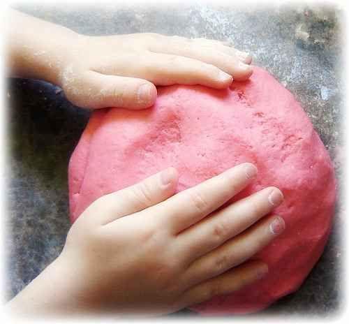 Cómo elaborar masa de sal para hacer manualidades