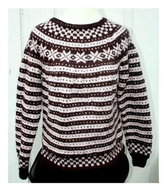 Fanagenser ,dame M-L. Håndstrikket av meg. Traditional fanasweater. Fairisle  Norwegian knitting