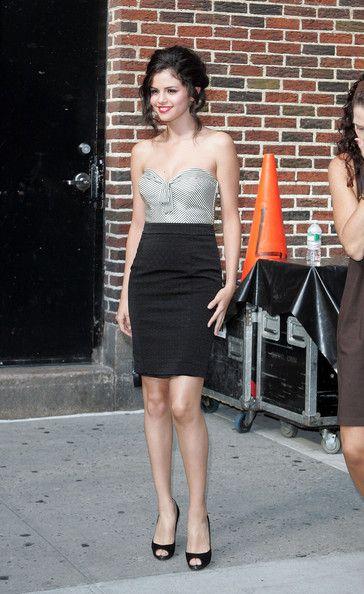 More Pics Of Selena Gomez Loose Bun Selena Gomez Selena