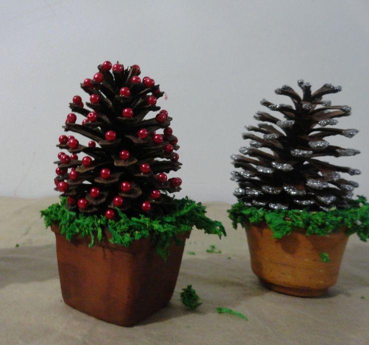 Arboles de escritorio / Piñas de pino