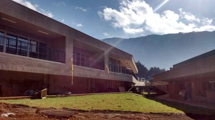 I.E La Sierra Medellin - Colombia 2015