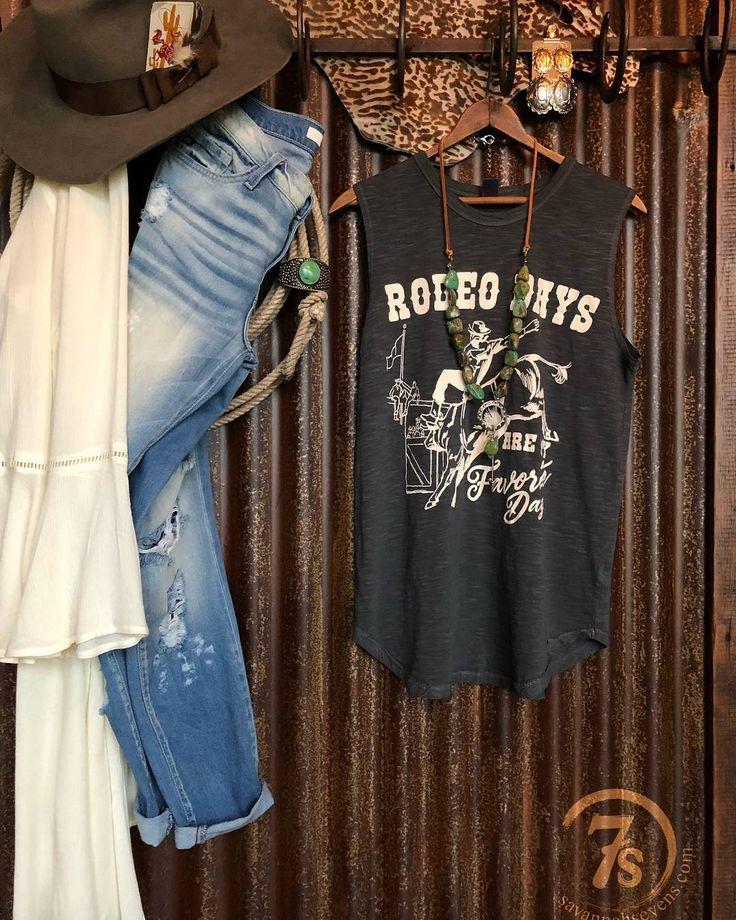 Rodeo Days are my Favorite Days!  #layers #yearroundfavorite #savannah7s #graphic