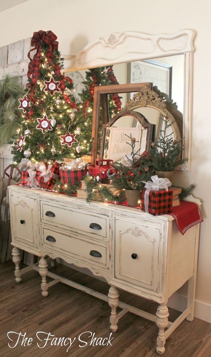 Rustic christmas party decor - 50 Indoor Decoration Ideas For Christmas That Will Spark Your Creativity This Year