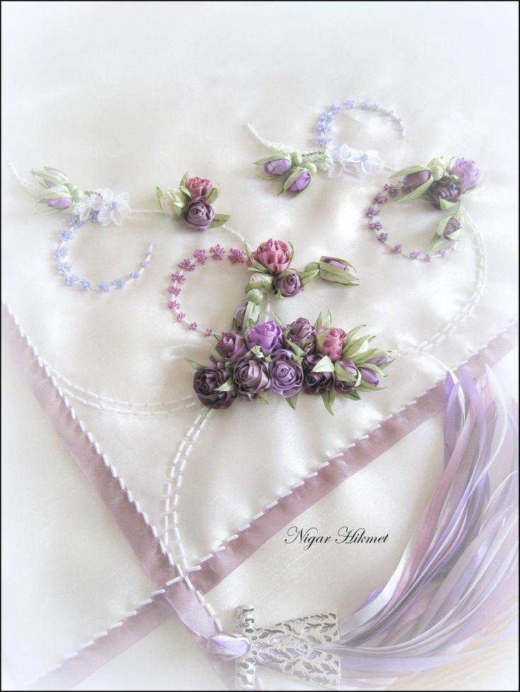 Ribbon flowers, Nigar Hikmet