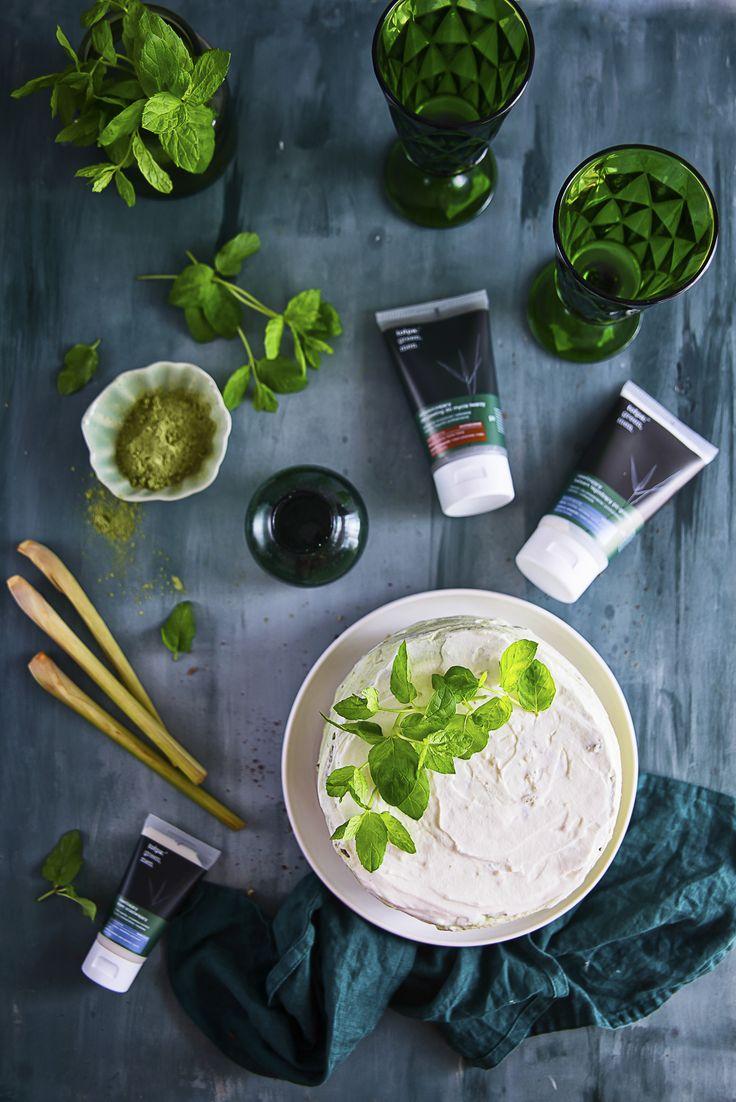 zielony torcik ombre z trawą cytrynową, miętą i zieloną herbatą