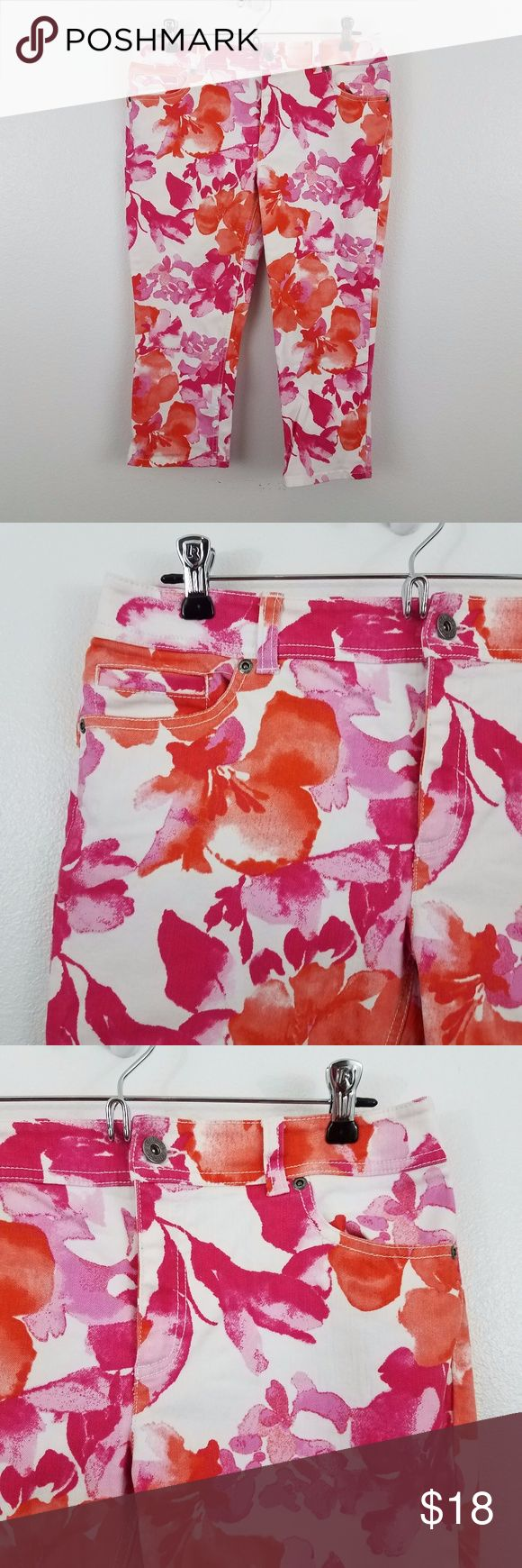 Chicos jeans capris floral pink orange Chicos jeans capris crop floral white pink orange 0.5 6 S womens summer pants Size .5 in Chicos or 6, see measurements below. Used. No rips, tears, or stains. See photos.  Measurements are taken while item is lying flat.  Waist (x2): 16 Inches  Inseam: 20.5 Inches  Inv P. Chico's Jeans Ankle & Cropped