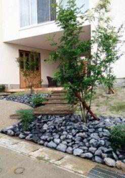 オープンエクステリア施工事例 / ナチュラル エクステリア、自然 外構 デザイン、名古屋 外構 設計、オープンエクステリア、別荘のような玄関周り