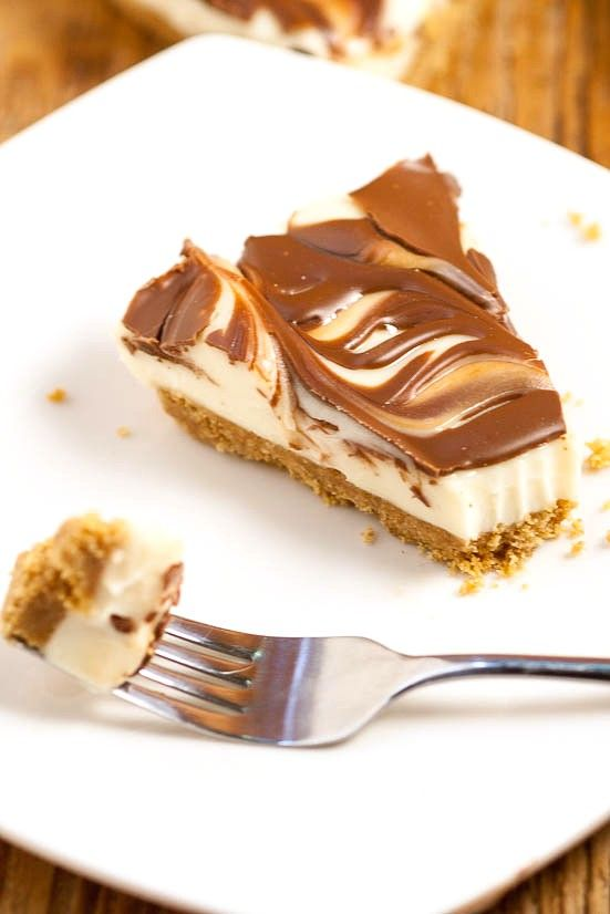 Easy No Bake S'mores Cheesecake recipe - a quick and easy no bake s'mores…