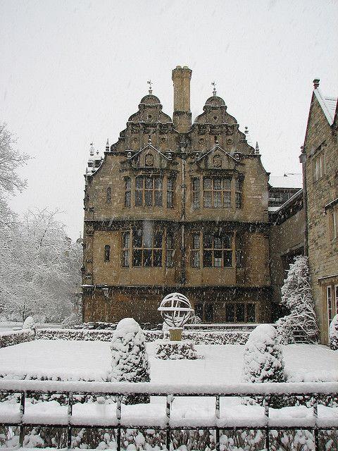 Oxford, England  photo via isasas