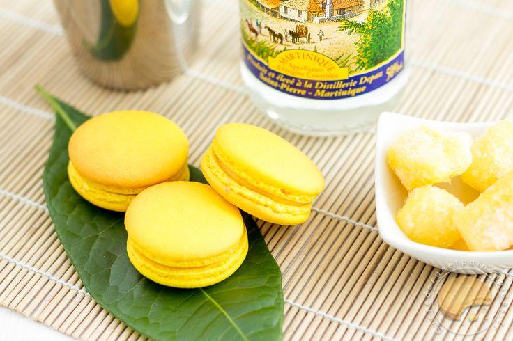 Macarons garnis d'un crémeux à l'ananas parfumé au rhum.