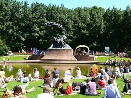 Open air Chopin concerts are held in the Royal Lazienki Part every summer twice a day.
