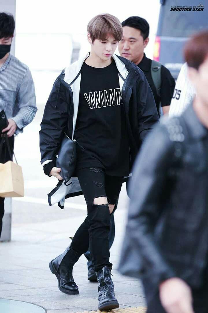 [HQ] 171012 Kang Daniel at ICN Airport cr.on pic