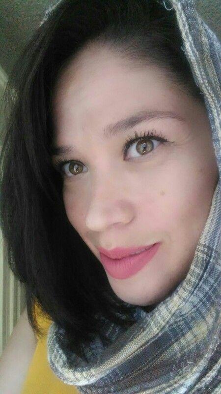 Mujeres hermosas con ojos color miel