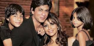 Prefect family Aryan with Parents (SRK & gauri khan) and sweet sister