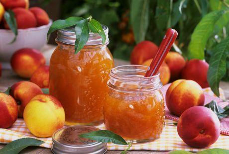 """Slatka zimnica: recept za """"ćilibar"""" džem od nektarina i vanile"""