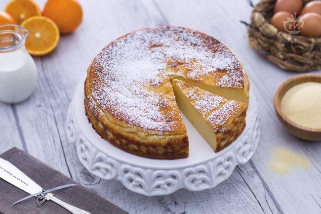 Il migliaccio è un dolce tipico della tradizione napoletana, legato soprattutto al Carnevale, a base di semolino. Compatto e morbido, è irresistibile.