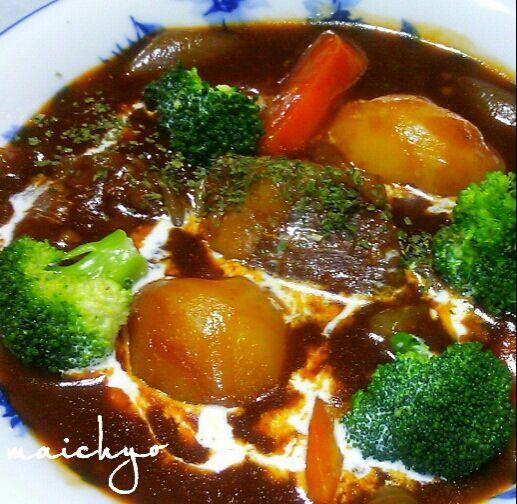 炊飯器で作ってみました(^_^;)お肉が柔らかく煮えてウマウマでした(≧▽≦) - 222件のもぐもぐ - ビーフシチュー by maichyo
