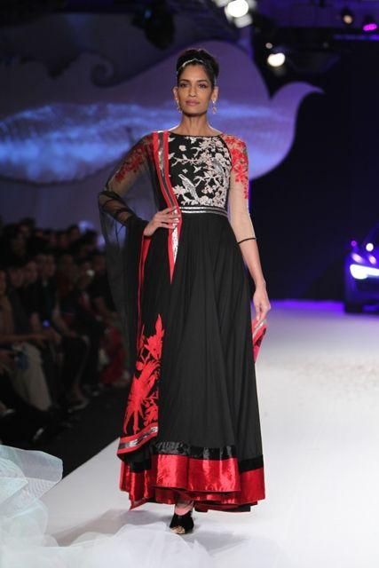 Delhi Couture Week 2013 Varun Bahl: Wow!!